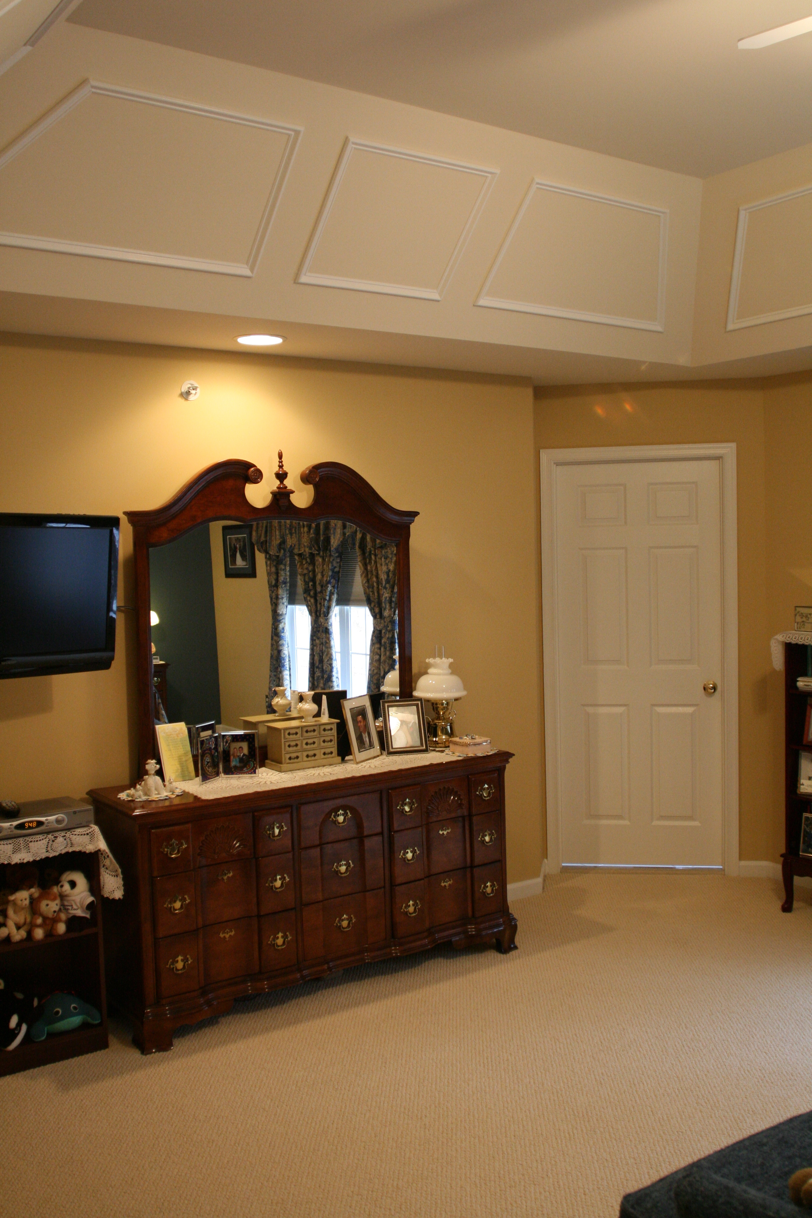Master Bedroom Painting Molding West Chester Pa